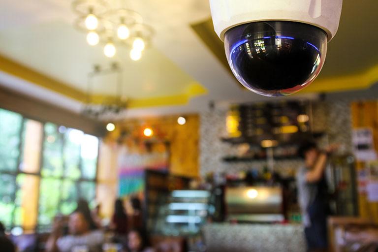 Videokamera zur Sicherheit erhältlich bei Benz-Alarm GmbH Sicherheitssysteme