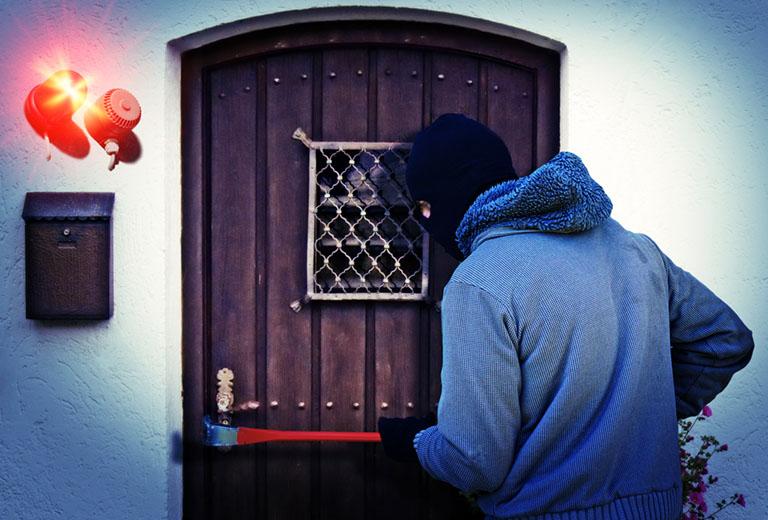 Einbruchschutz: Einbrecher wird vom Alarmanlage überrascht