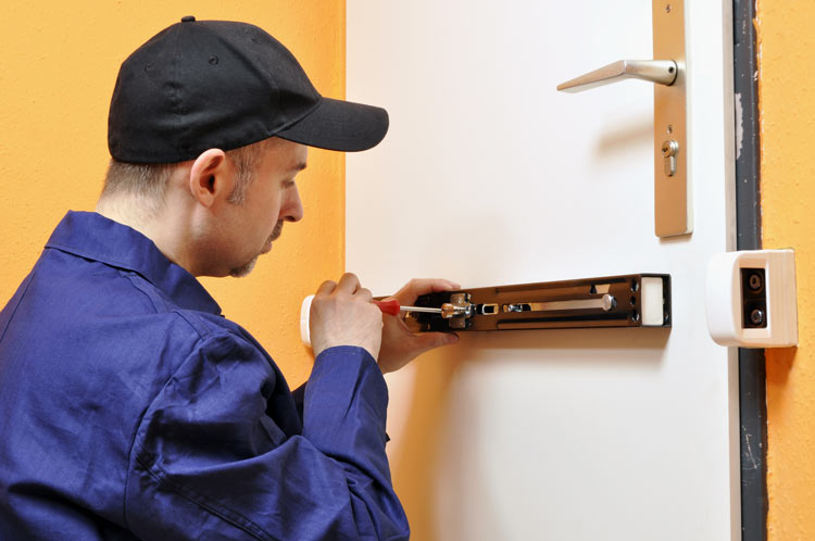 Einbruchschutz mit KfW-Föderung - Sicherheitstechnik in Stuttgart und Ludwigsburg